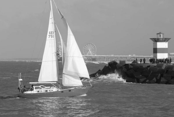 Zeilboot zwart/wit